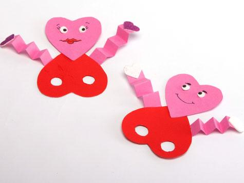 heart-shapped-finger-puppet-kaboose-craft-photo-475-fs-IMG-8995_476x357