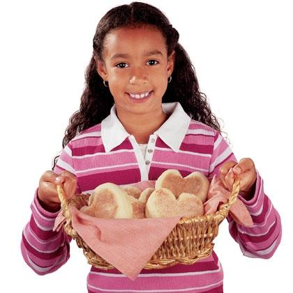 english-muffin-hearts-valentines-day-recipe-photo-420-FF0203COOKA01