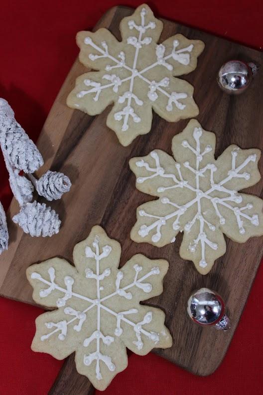 white snowflake cookies main